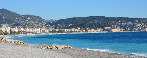 Plages de Nice dans la baie des Anges