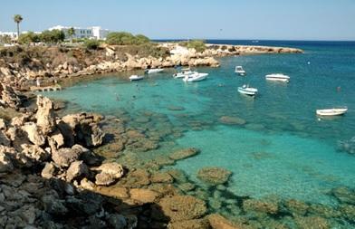 Le consulat de France à Paphos est l'un des représentations étrangères à Chypre, et l'une des trois représentations étrangères à Paphos. Pour plus d'informations, visitez le» EmbassyPages de Chypre Le consulat à Paphos est l'une des représentations diplomatiques et consulaires de France dans le monde.